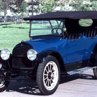 1917 Willys Knight Touring Car Wallpaper
