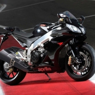 2010 Aprilia Rsv4 R Wallpapers