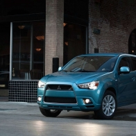 2011 Mitsubishi Cuv Hd Wallpapers