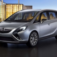 2011 Opel Zafira Tourer Concept Wallpaper