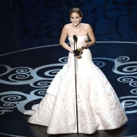 2013 Jennifer Lawrence At Oscars Wallpaper 01 Wallpapers