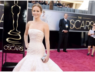 2013 Jennifer Lawrence At Oscars Wallpaper Wallpapers