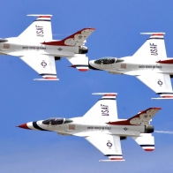 3 Thunderbirds Wallpaper