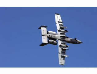 A 10 Thunderbolt Approaching Target Wallpapers