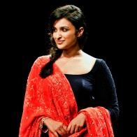 Actress Parineeti Chopra Hd Wallpapers
