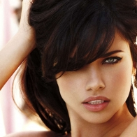 Adriana Lima Sexy Wallpaper