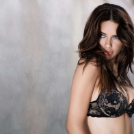 Adriana Lima Wallpaper 35