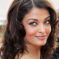 Aishwarya Rai Smile Wallpaper 01 Wallpapers