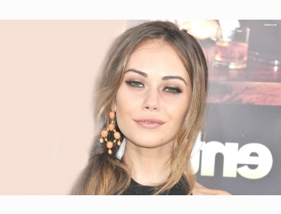Alexis Dziena 4 Wallpapers