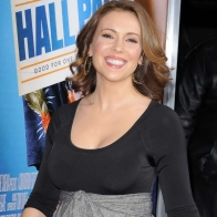 Alyssa Milano Happy Smile Wallpaper Wallpapers