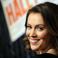 Alyssa Milano Wallpaper 05 Wallpapers