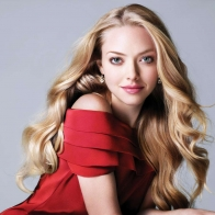 Amanda Seyfried 2 Wallpaper Wallpapers