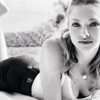 Amanda Seyfried 4 Wallpapers