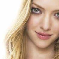 Amanda Seyfried 5 Wallpapers