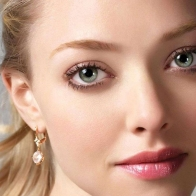 Amanda Seyfried Face Wallpaper Wallpapers