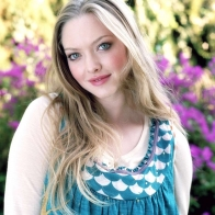 Amanda Seyfried Wallpaper Wallpapers