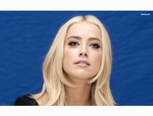 Amber Heard 10 Wallpapers