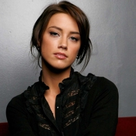 Amber Heard 21 Wallpapers