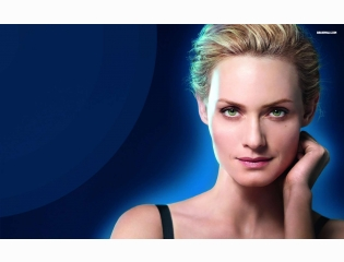 Amber Valletta 2 Wallpapers
