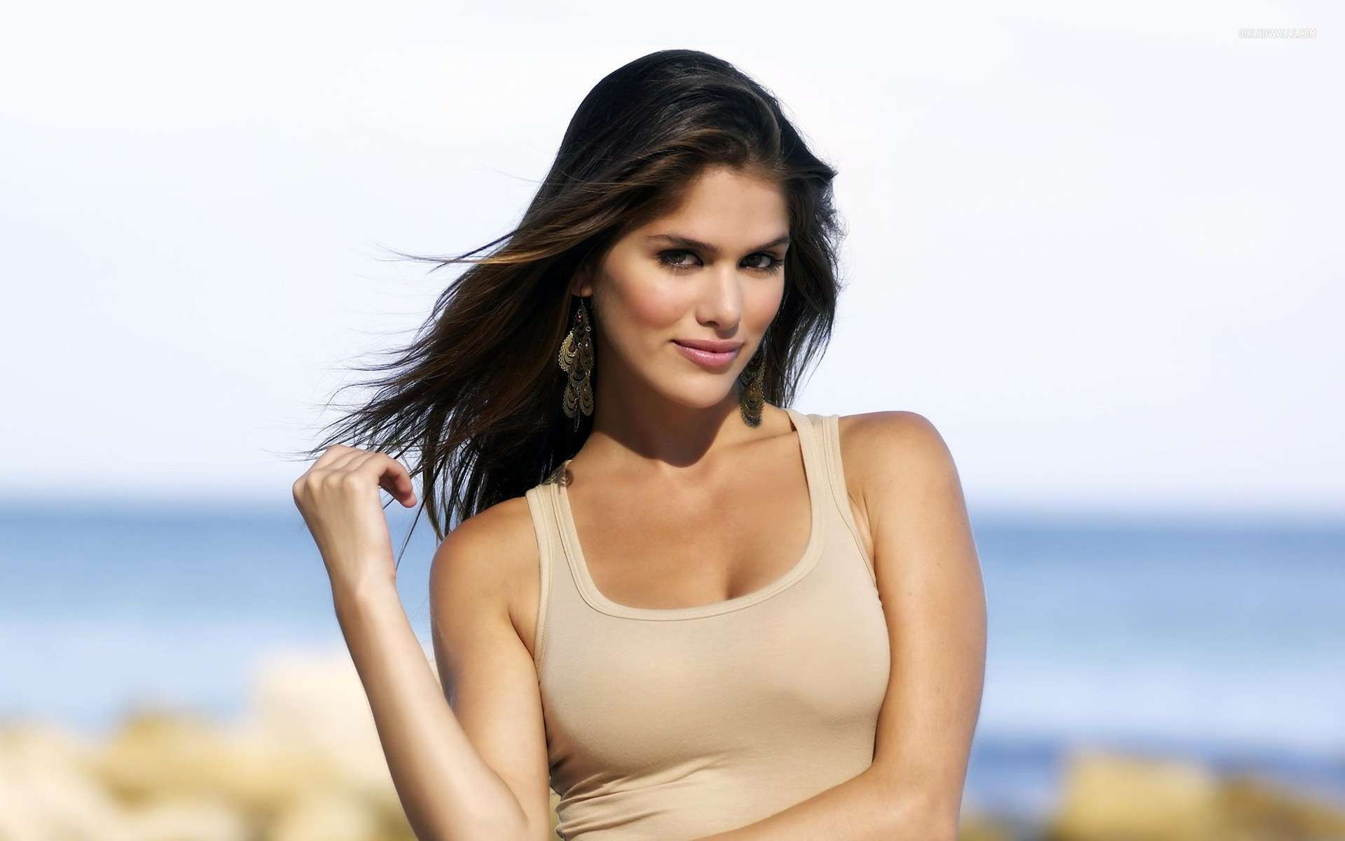 Anahi Gonzales 2 Wallpapers
