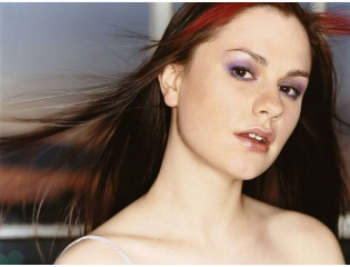Anna Paquin Crazy Hd Wallpapers