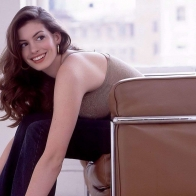 Anne Hathaway 01 Wallpapers