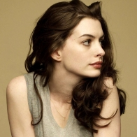 Anne Hathaway 1 Wallpaper Download
