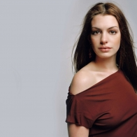Anne Hathaway 4 Wallpapers