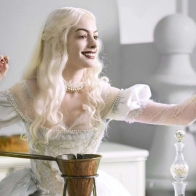 Anne Hathaway Alice In Wonderland Wallpapers
