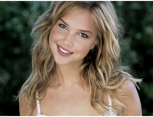 Arielle Kebbel Perfect Smile Wallpaper Wallpapers