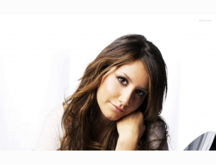 Ashley Tisdale 16 Wallpapers