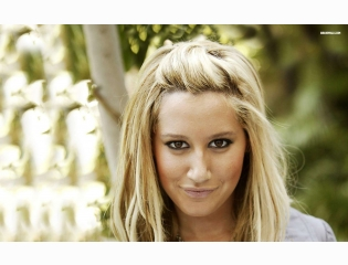Ashley Tisdale 7 Wallpapers