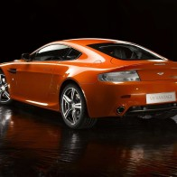 Aston Martin V8 Vantage N400 2 Wallpapers