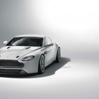 Aston Martin Vantage Gt4 Wallpapers