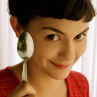 Audrey Tautou As Amelie Wallpapers