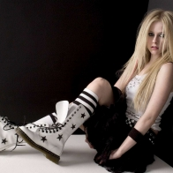 Avril Lavigne 2 Wallpaper Wallpapers