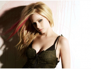 Avril Lavigne  Wallpaper Download