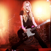 Avril Lavigne Rocking Wallpaper Wallpapers