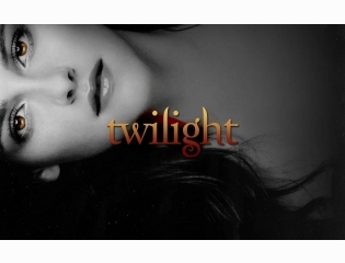 Bella Swan As A Vampire Wallpaper