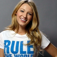 Blake Lively Smile Wallpaper Wallpapers