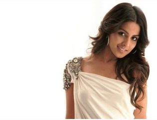 Bollywood Girl Genelia