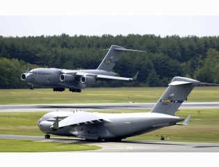 C 17 Globemaster Iii At Mcguire Air Force Base Wallpapers