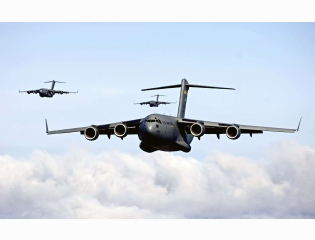 C 17 Globemaster Iiis Intra Theater Heavy Airlift Support Wallpapers