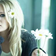 Carrie Underwood With Flowers Wallpaper