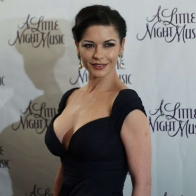 Catherina Zeta Jones Elegant Wallpaper Wallpapers