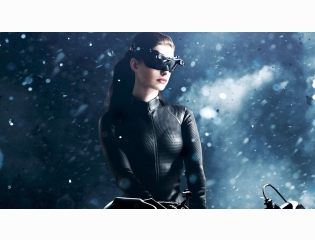 Catwoman Anne Hathaway Wallpapers