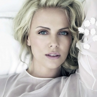 Charlize Theron 1 Wallpapers