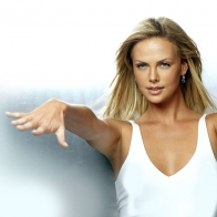 Charlize Theron 18 Wallpapers