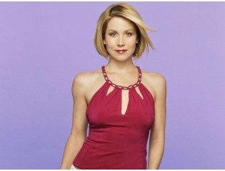 Christina Applegate Wallpaper