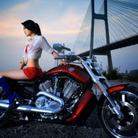Cirls And Motorcycles